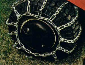 chains.jpg (55379 bytes)