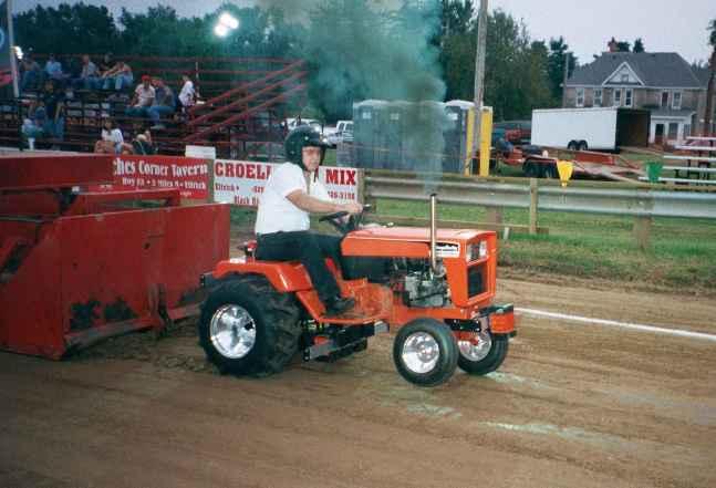 Massey Ferguson Garden pulling tractor lawn mower MF10 - Tractors